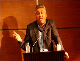 بازدید اساتید دانشگاه امیرکبیر از بندر شهید رجایی