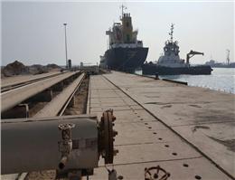 بزرگترین محموله قیر صادراتی در بندر خلیج فارس بارگیری شد