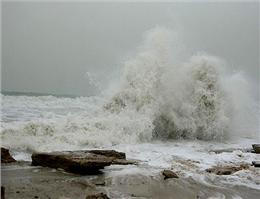 دریای عمان تا روز دوشنبه متلاطم است