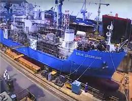 نخستین شناور سوخت رسان LNG جهان تحویل شد